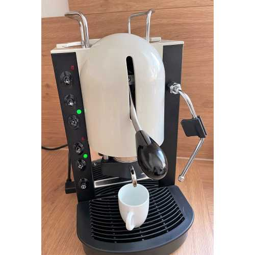 o: Lolita Elite CV - Schwarz-Weiß - Volumetrico - Tassengestell - Kaffee und Dampf - Spinel